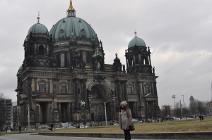 http://maps.google.es/maps?q=Berliner+Dom,+Berlin,+Germany&hl=es&sll=52.519105,13.402915&sspn=0.003166,0.010568&hq=Berliner+Dom,+Berlin,+Germany&t=m&z=14